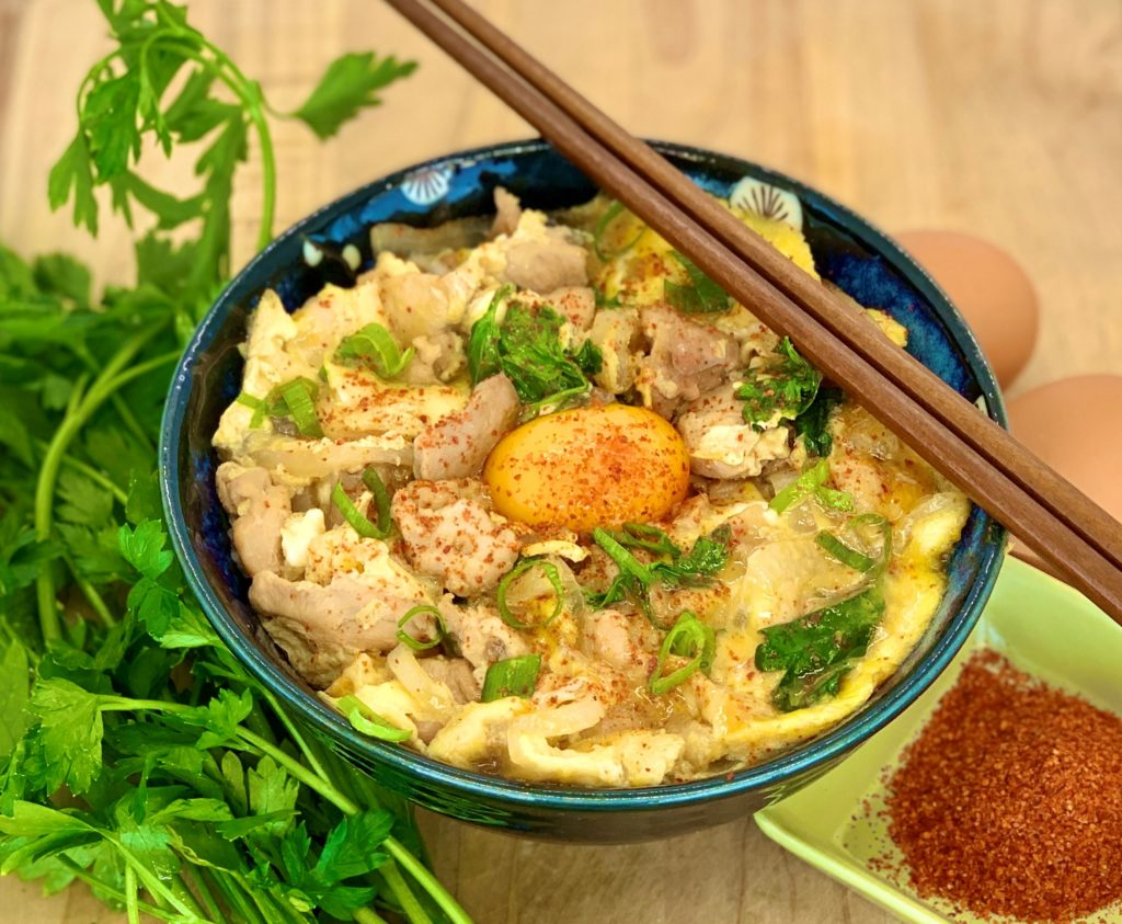 Oyakodon – Simple Japanese Chicken and Egg Bowl