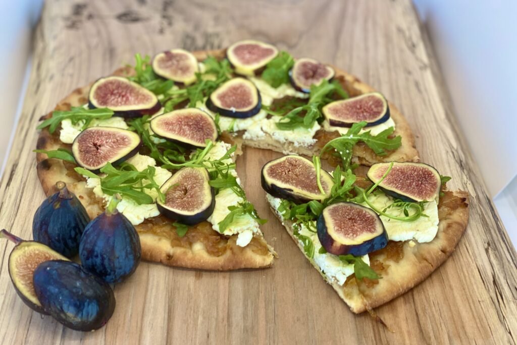 Fig Caramelized Onion Flatbread Pizza